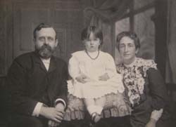W. H. Griffith Thomas with his daughter, Winifred, and his wife, Alice, circa 1904.  Click for enlarged image.